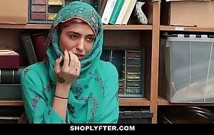 Shoplyfter- sexy muslim legal age teenager throw a spanner into the works & harassed