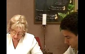 Blonde granny shafting