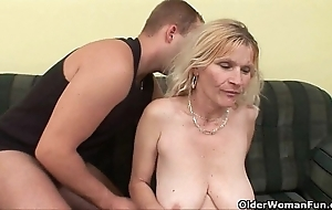 Experienced mam with big tits added to soft snatch acquires facial