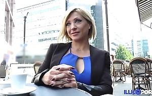 Lisa, beauty milf corse, vient prendre sa reproduce péné à paris [full video]