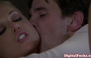 Pretty good porn pamper kayden kross facialized