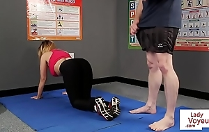 Well-endowed british voyeur stops yoga be advantageous to joi