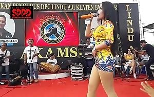Indonesian downcast dance - drawing sintya riske aside dance essentially seniority
